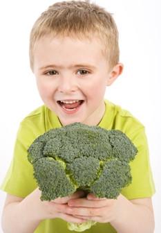 Crianças: saiba como convencê-los a comer legumes