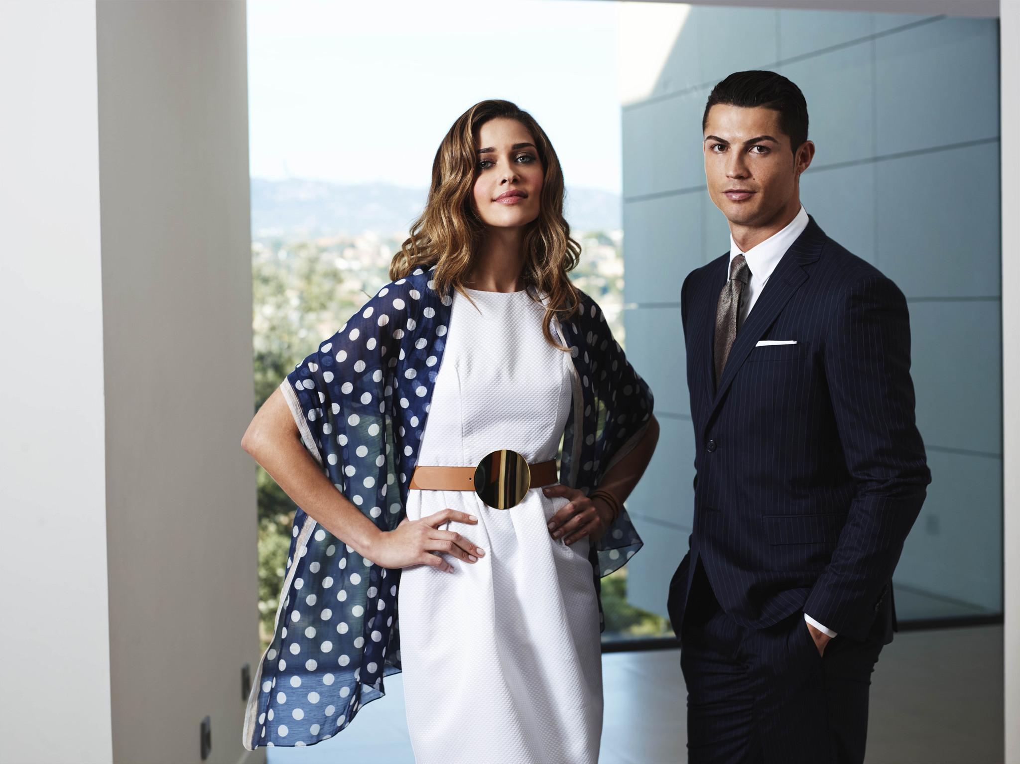 Ana Beatriz Barros & Cristiano Ronaldo para Sacoor Brothers.jpg