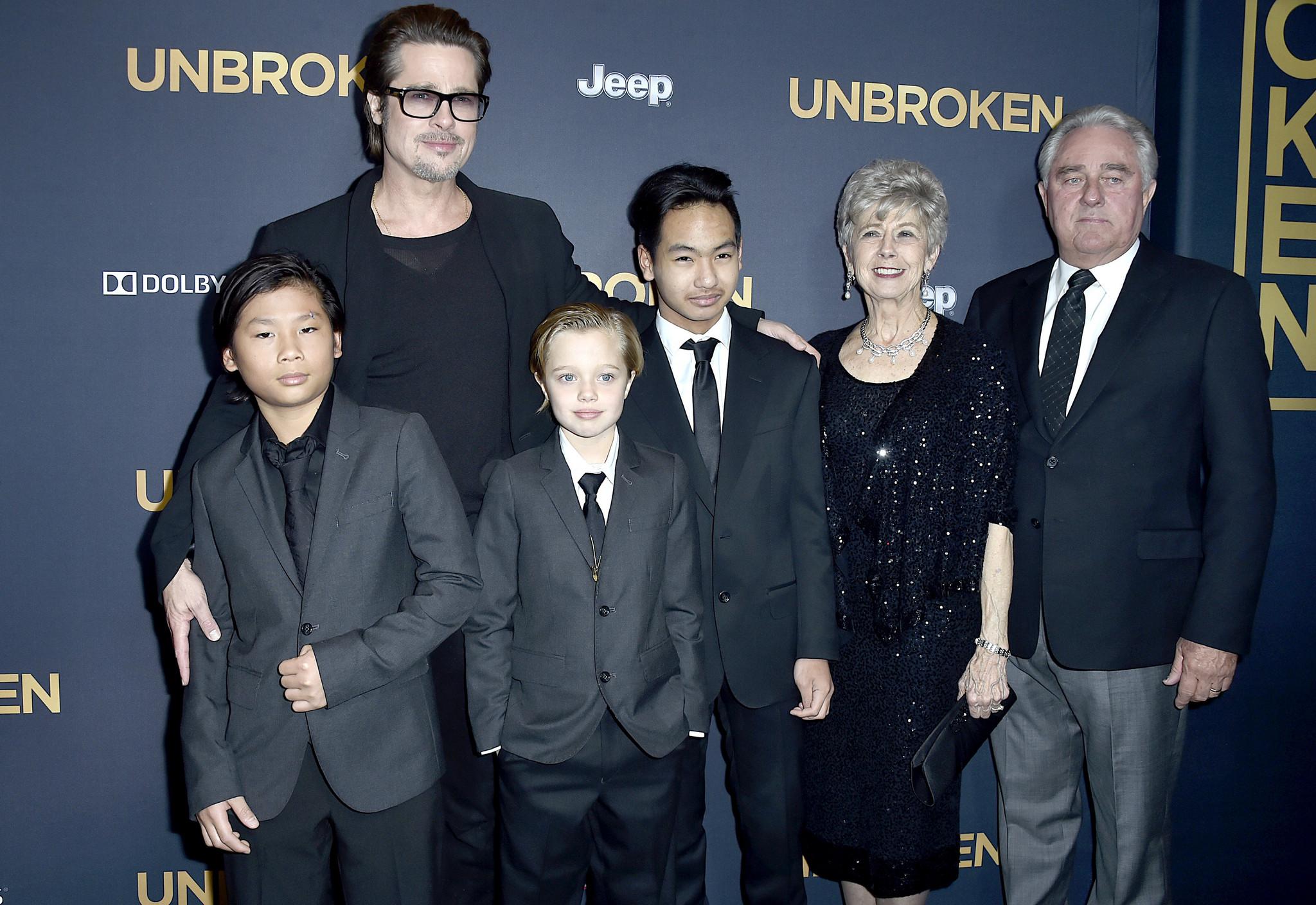 Brad Pitt e os filhos
