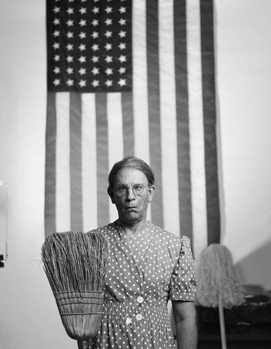 Gordon_Parks___American_Gothic_Washington_D.C._date_2014.jpg