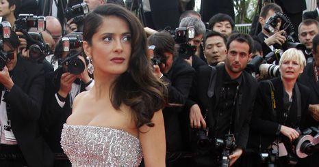 Salma Hayek entre as mais bem vestidas do 1º dia de Cannes