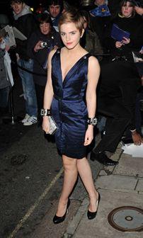 Emma Watson é a mulher mais bem vestida do ano!