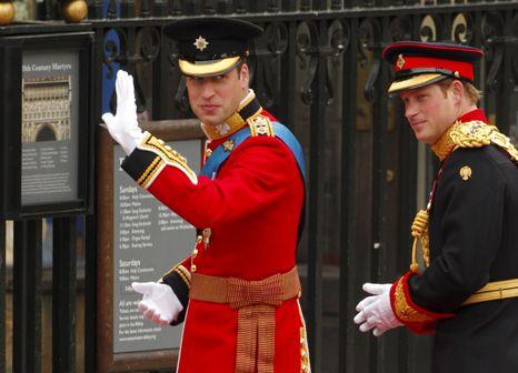 William e Harry à chegada a Westminster