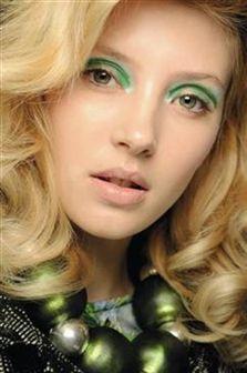Tendência maquilhagem verão 2011: CORES VIVAS