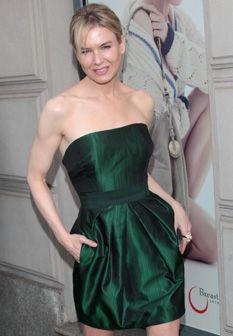Verde-esmeralda: Renee Zellweger em Tommy Hilfiger