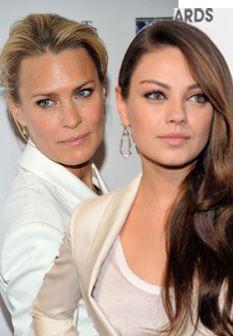 Robin Wright e Mila Kunis aderem ao look Branco Total