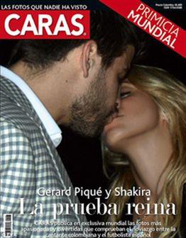 Foto: Shakira e Gerard Piqué em beijo apaixonado