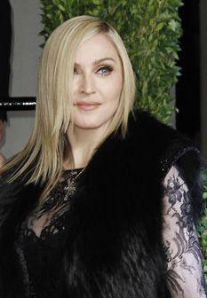 Madonna regressa às origens com vestido em renda muito ousado