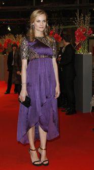 Diane Kruger brilha em Berlim com vestido Chanel