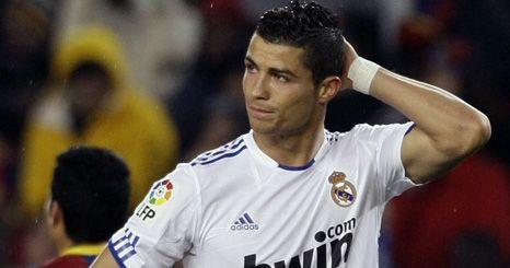 Mãe de Cristiano Ronaldo Jr. reclama direitos sobre filho