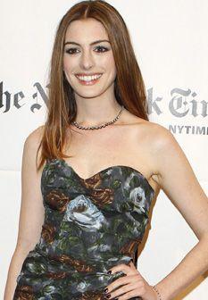 Anne Hathaway e James Franco vão apresentar os Óscares