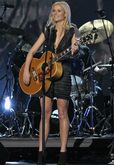 Vídeo: Gwyneth Paltrow canta na série 'Glee'