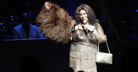 Aretha Franklin cancela concertos até maio de 2011