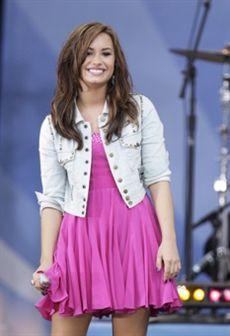 Demi Lovato internada por automutilação e transtornos alimentares