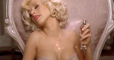 Vídeo: Christina Aguilera híper sexy no anúncio do seu perfume