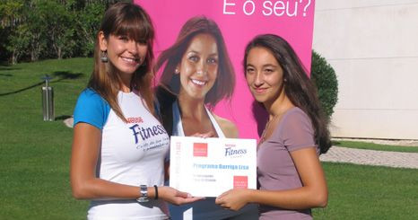 Vanessa Oliveira elege a barriga perfeita