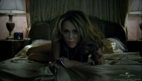 Miley Cyrus tem novo vídeo... e é mesmo adeus Hannah Montana
