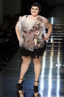 Beth Ditto: em tamanho XXL brilha no desfile de Jean Paul Gaultier