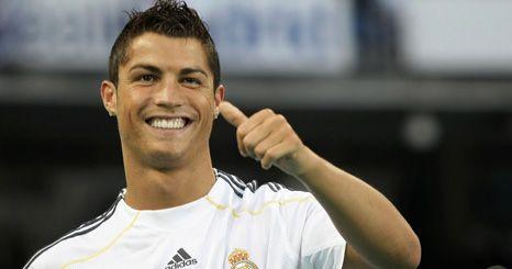 Bebé de Cristiano Ronaldo é filho de uma empregada de mesa americana