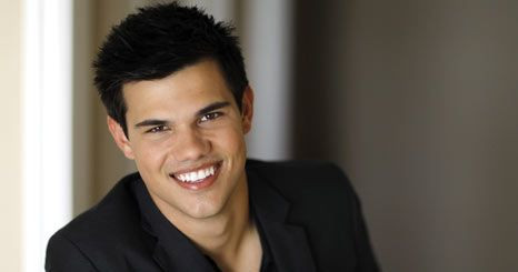 Taylor Lautner voltou para ex