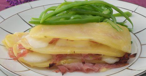 Lasanha de batata, fiambre e queijo