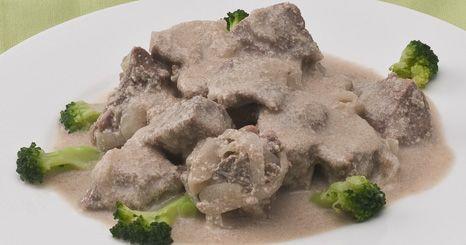 Carne de porco com leite de coco e gengibre