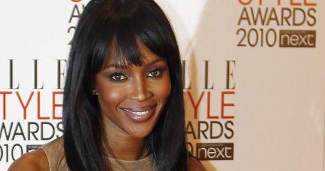 Naomi Campbell presta tributo a Alexander McQueen nos Elle Style Awards