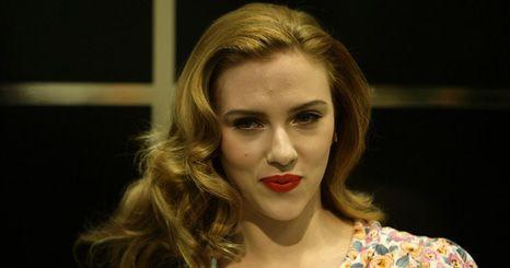 Scarlett Johansson leiloa encontro para ajudar Haiti