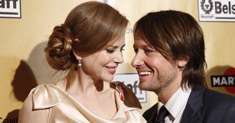 Nicole Kidman canta com o marido