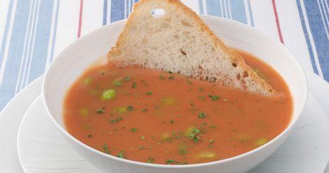 Sopa de favas e tomate
