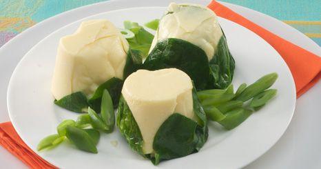 Flans de queijo com feijão verde
