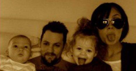 Nicole Richie divulga fotos de família na internet