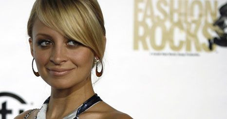 Nicole Richie foi hospitalizada