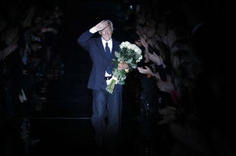 Giorgio Armani regressa depois de ter lutado contra a hepatite