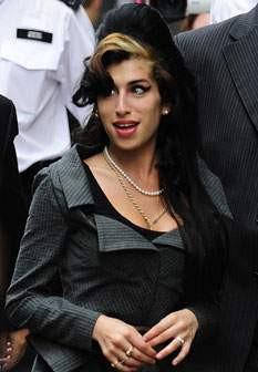 Pai de Amy Winehouse acha