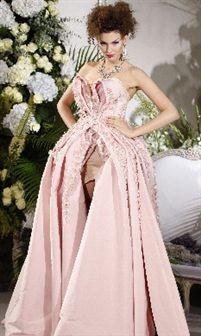 Dior: lingerie torna-se estrela de alta costura