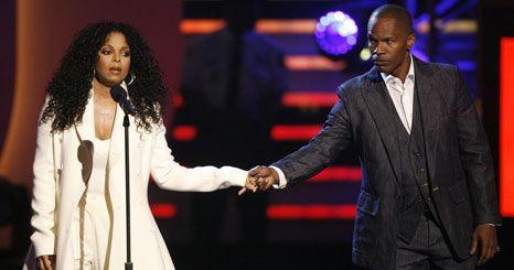 Vídeo: Janet Jackson emociona-se com a homenagem ao irmão