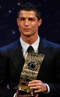 Cristiano Ronaldo: o menino dos abdominais de ouro
