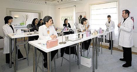 40 leitoras aprenderam segredos de maquilhagem