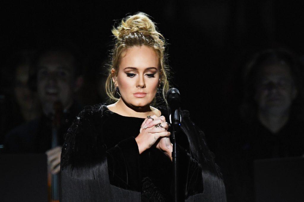 """Adele, a superestrela: """"em Hollywood, ou és muito gorda ou muito magra. É um absurdo. Nunca serás capaz de agradar a toda a gente, então qual é o objetivo?"""""""
