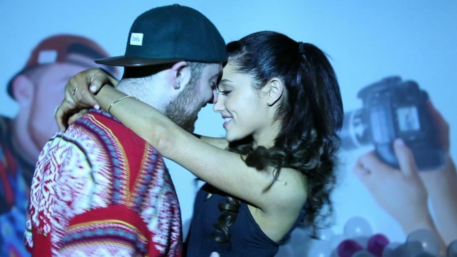 ariana-grande-and-her-bestie-mac-miller-remix-into-you-into-a-slower-sexier-tune-body-image-1470624827.jpg