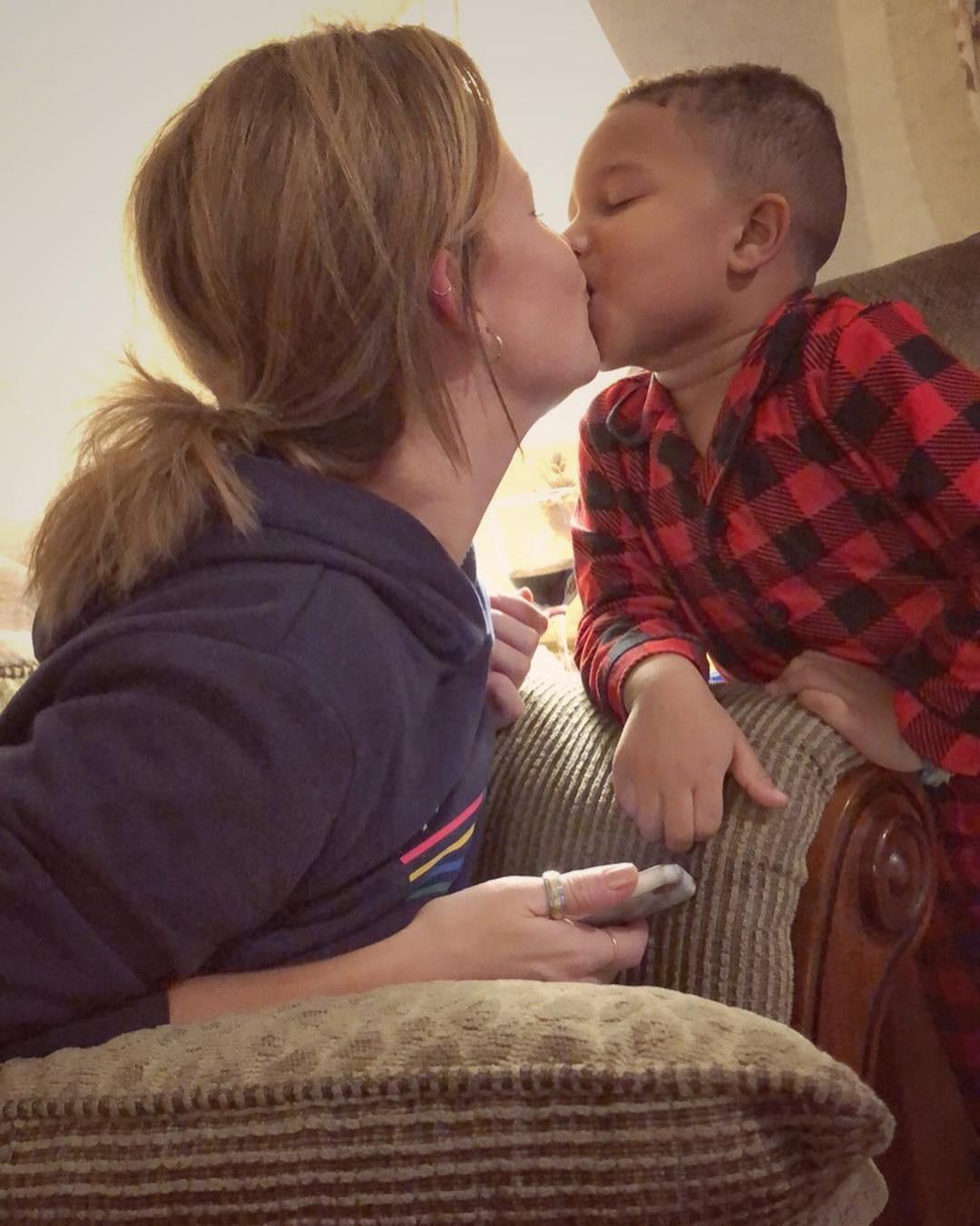 Paula Goodwin e o filho.jpg