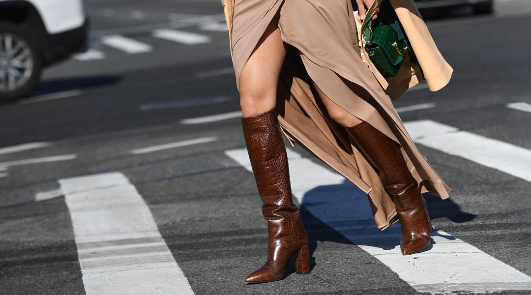 Foto de Feminina Bota Castanha Em Calçado Confortável De