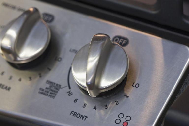 1500909366-1500561743-stove-dials.jpg