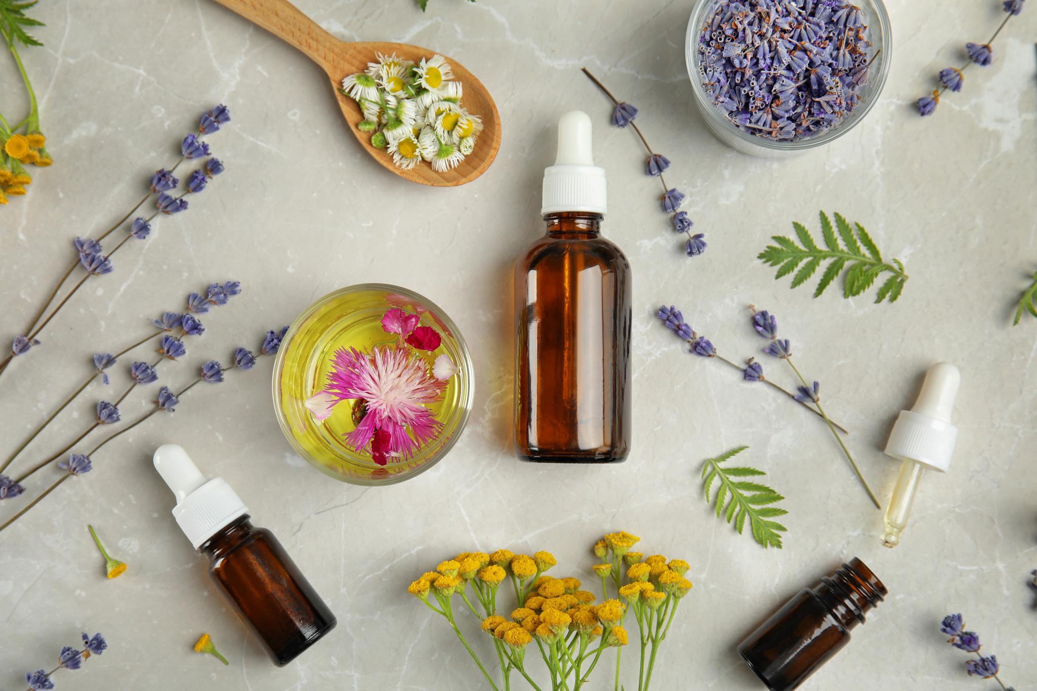 óleos essenciais essential oils.jpg