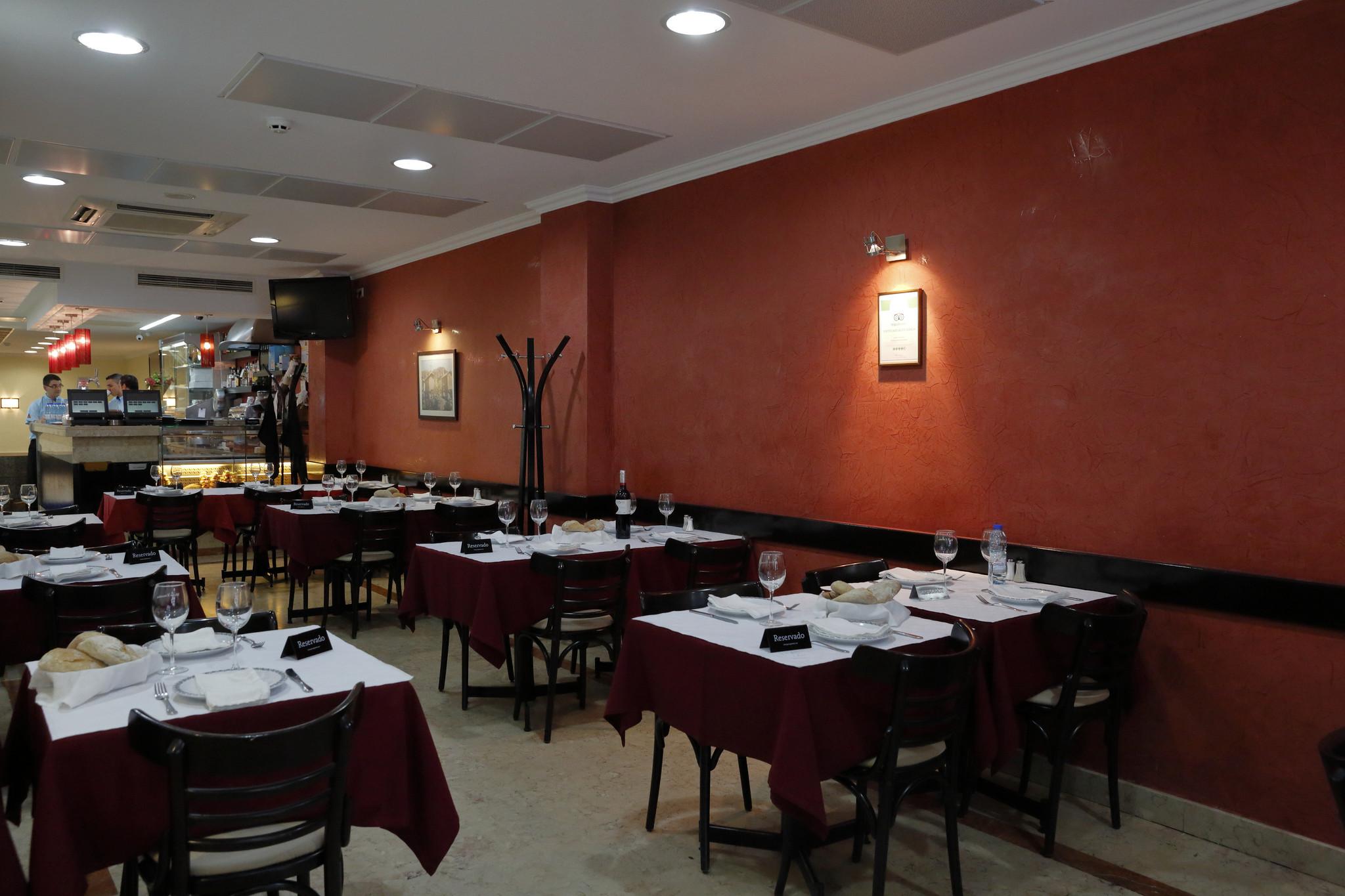 MJ Restaurante Os Courenses 08.JPG