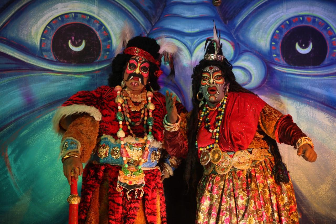 thumbnail_04.Festival_Nova-Luz_da_India_Surabhi_Family.jpg
