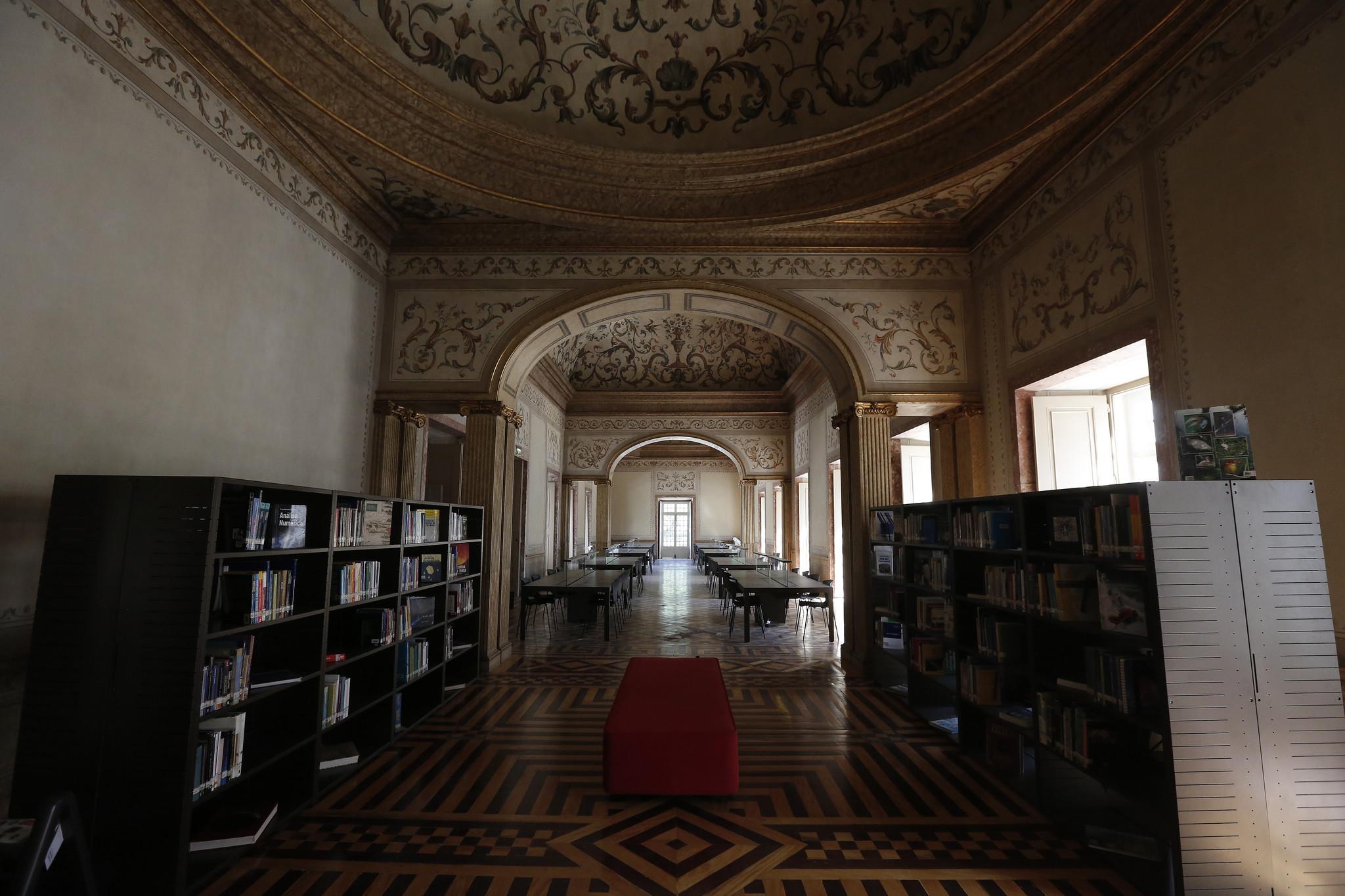 A Biblioteca Municipal Palácio Galveias foi renovada e aumentada