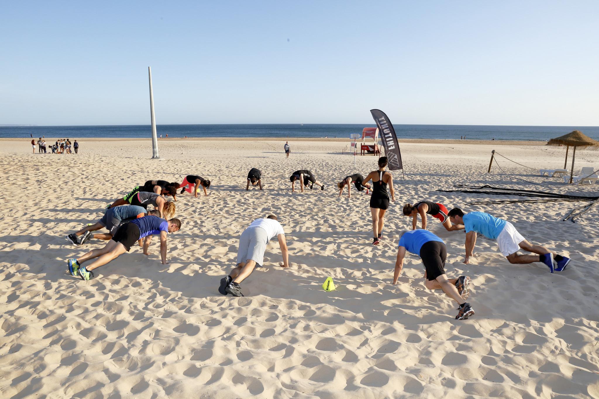 MJ exercicio Praia Carcavelos 04.JPG