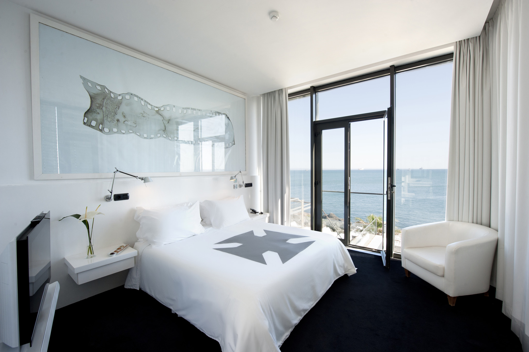 Farol Hotel  quarto Ana Salazar.jpg